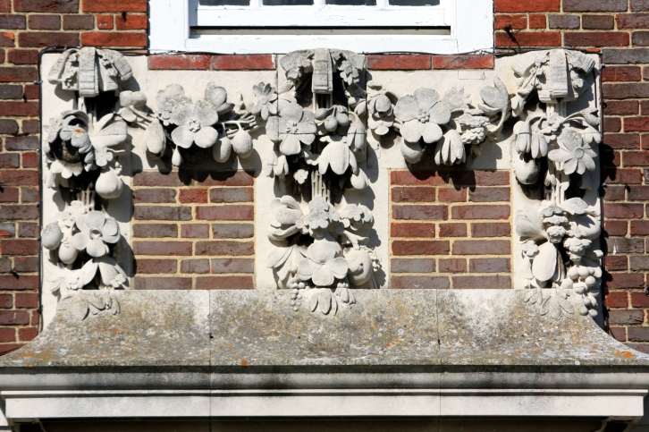 Detail on the bowling lawn front, The Salutation, Sandwich, August 2013