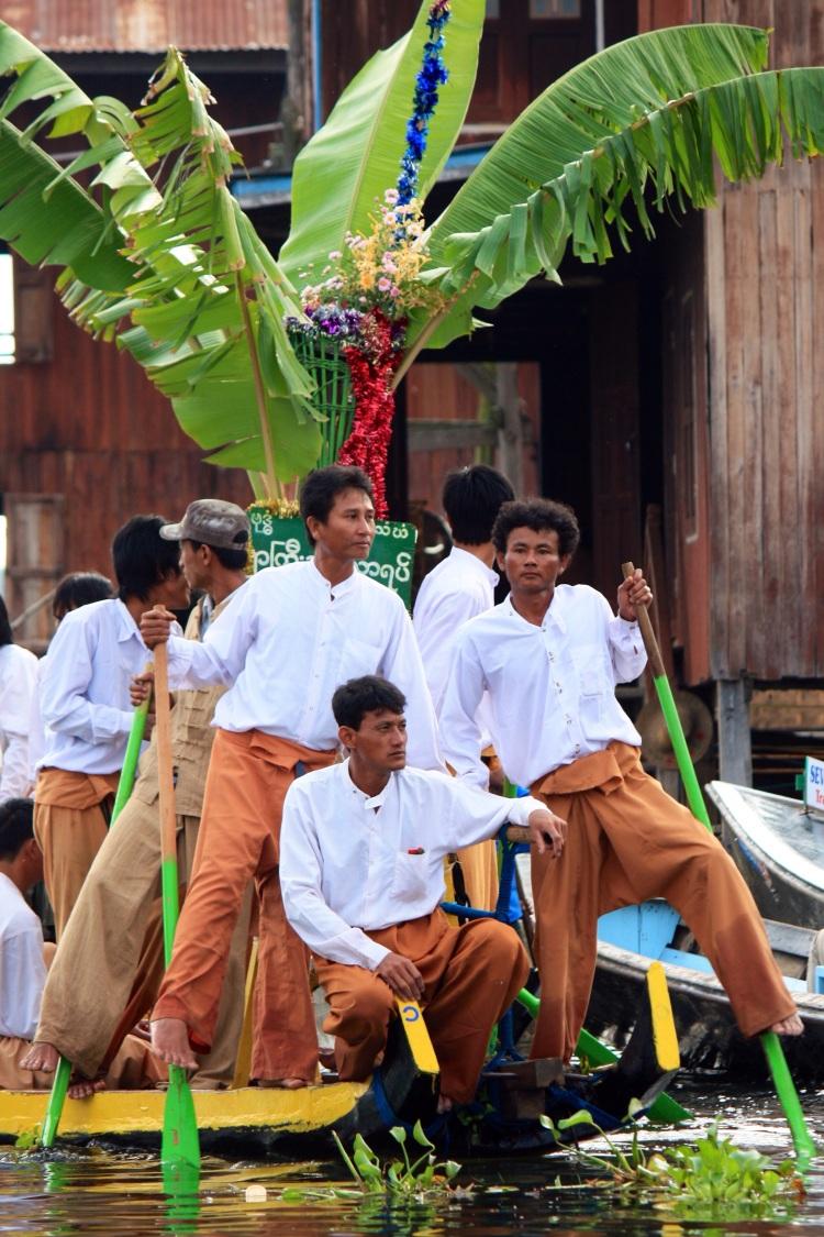 Leg rowers, Phaung Daw Oo Pagoda Festival, Inle Lake, Burma, October 2012