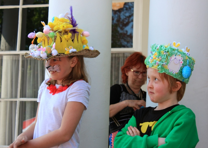 Someone's not impressed!  Easter bonnet competition, Broadstairs Food Festival Easter 2014