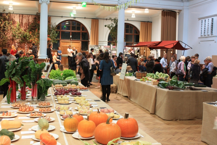 Office works, locals and keen gardeners mingle in the RHS Lindley Hall