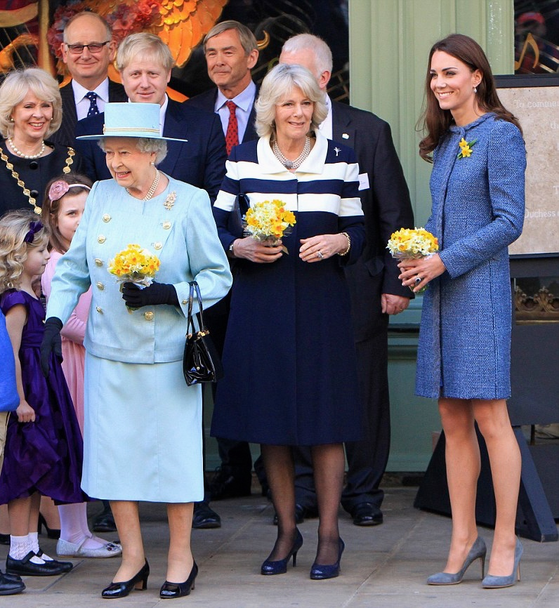 1 March 2012 - LONDON - UK  HRH THE QUEEN,CAMILA DUCHESS OF CORNWALL, CATHERINE DUCHESS OF CAMBRIDGE VISIT FORNUM AND MASON,PICCADILLY,LONDON