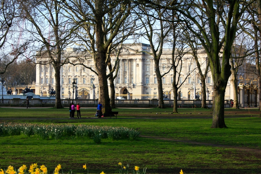 Buckingham Palace from Green Park, March 2014