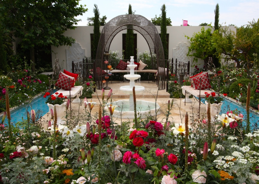 Garden of Paradise, Nilufer Danis, Hampton Court 2015