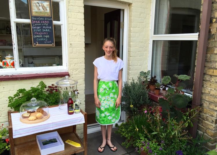 Scarlett Wardell, waitress extraordinaire!