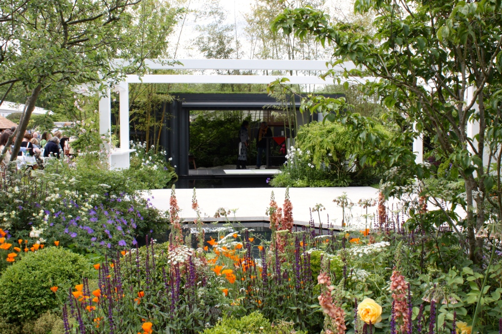 The Watahan East & West Garden designed by Chihori Shibiyama and Yano Tea: Silver