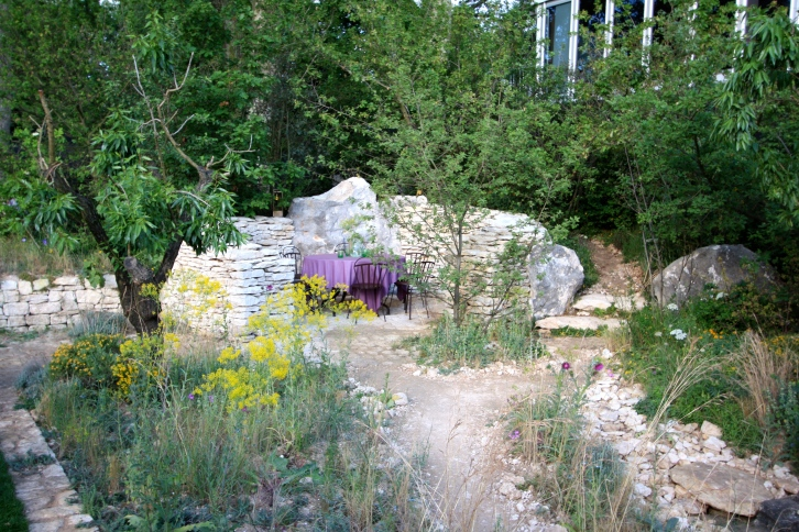 L'Occitane Garden designed by James Basson: Gold
