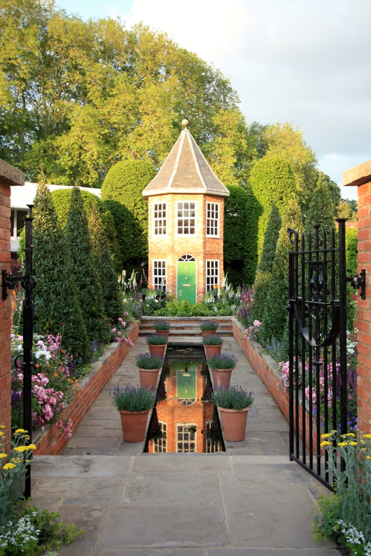 The Harrods British Eccentrics' Garden designed by Diarmuid Gavin: Silver Gilt