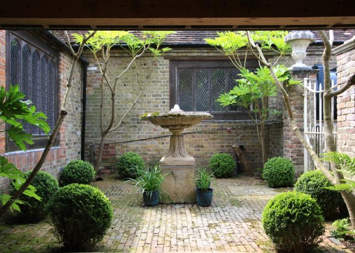 Courtyard Garden, The Chapel, Thorne Hill, Ramsgate, Kent