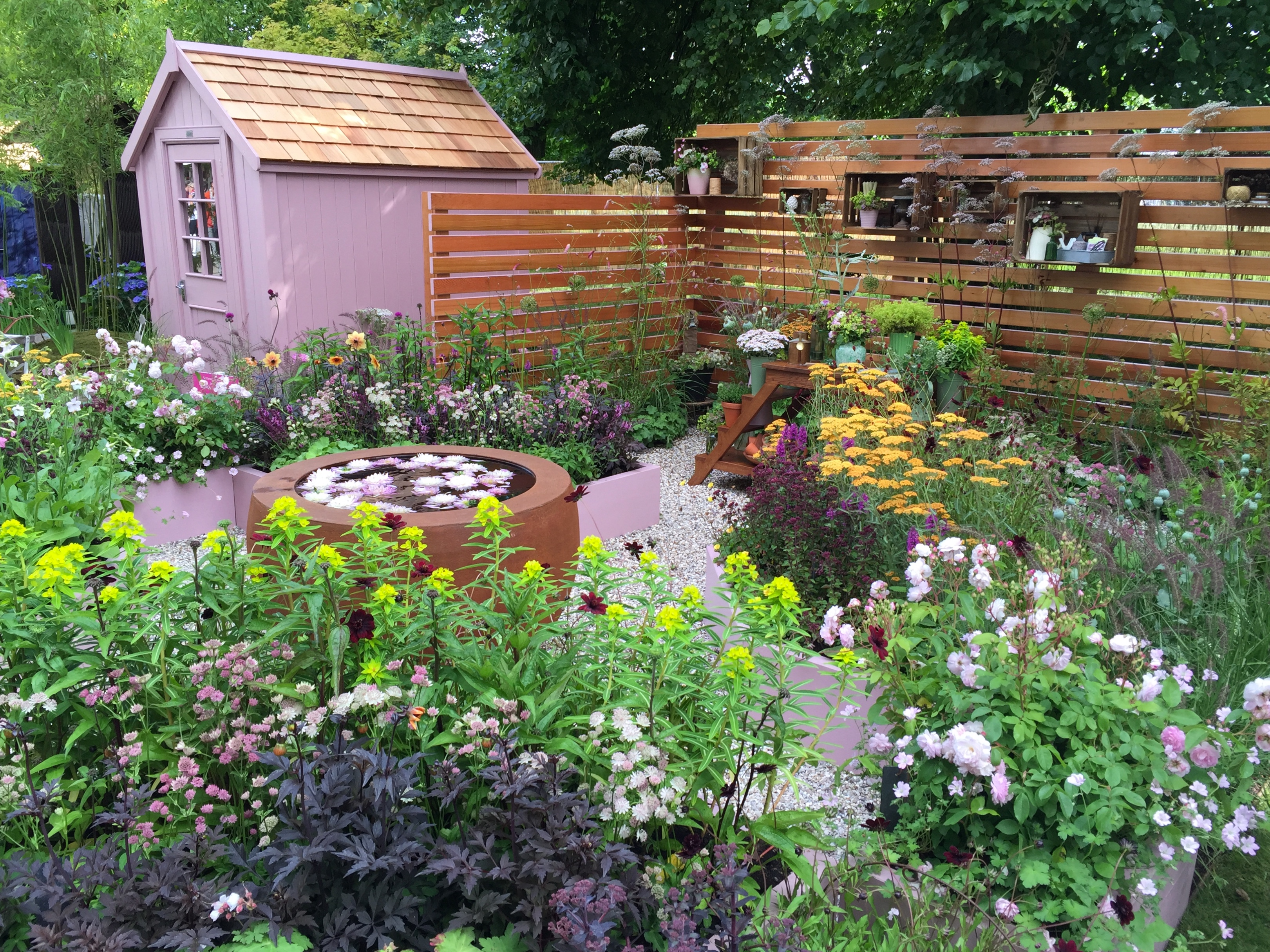Hampton court palace flower show 2016 show gardens part i the frustrated gardener - Hampton court flower show ...