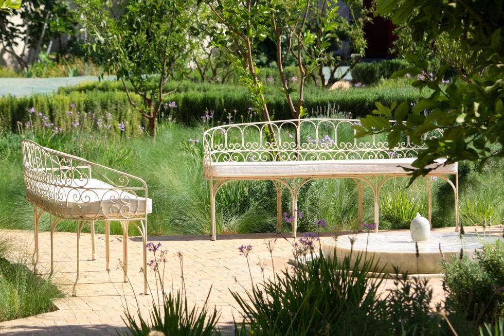 Elegant seating, Islamic garden, Le Jardin Secret, Marrakech, September 2016